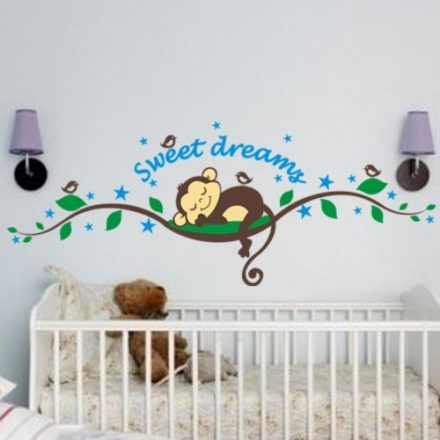 abe-der-sover-paa-en-gren-wallsticker-worldofstickers
